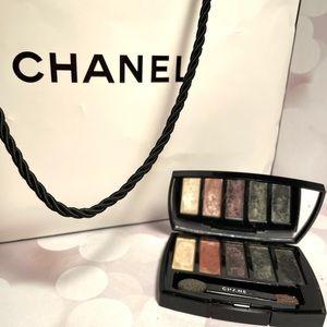 CHANEL eyeshadow set